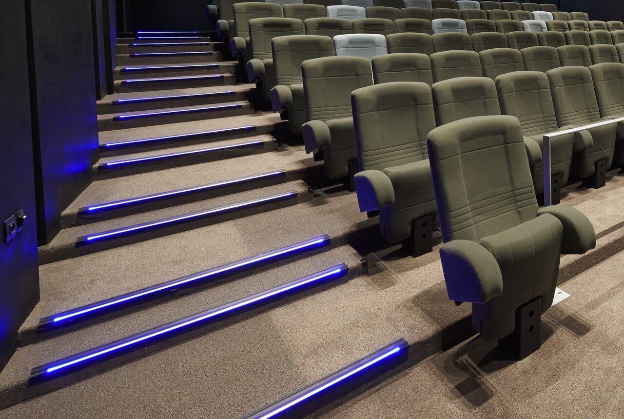 Kleslo - Leader de fabrication de fauteuils cinéma, théâtre ... balisage de gradin