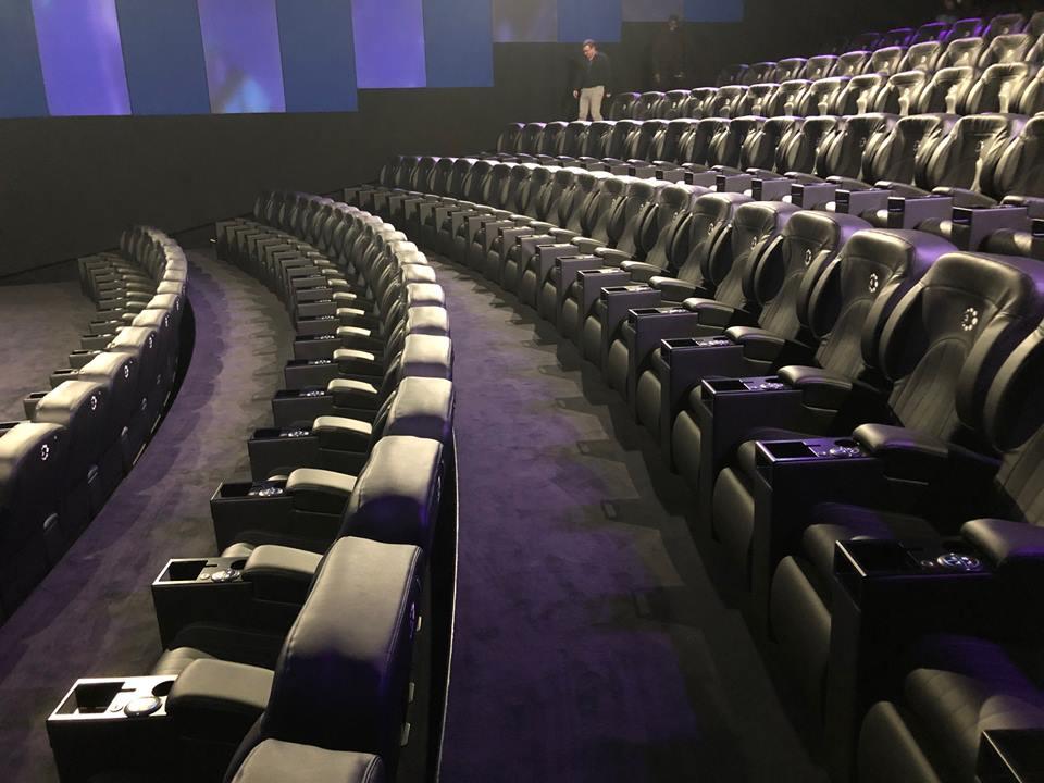 Kleslo - fauteuil Inertie - Leader de fabrication de fauteuils cinéma, théâtre ...SALLE Ice by CGR tours 2 lions v2
