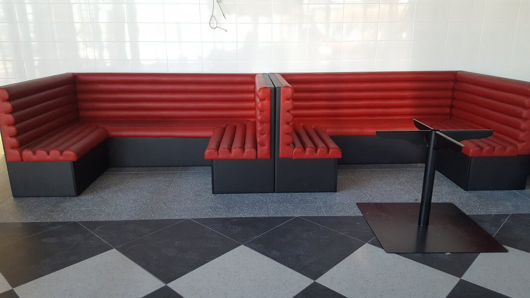 Kleslo - Banquette sur mesure de restaurant, Hall d'aceuil - Leader de fabrication de fauteuils cinéma, théâtre ... restaurant El Assador V2