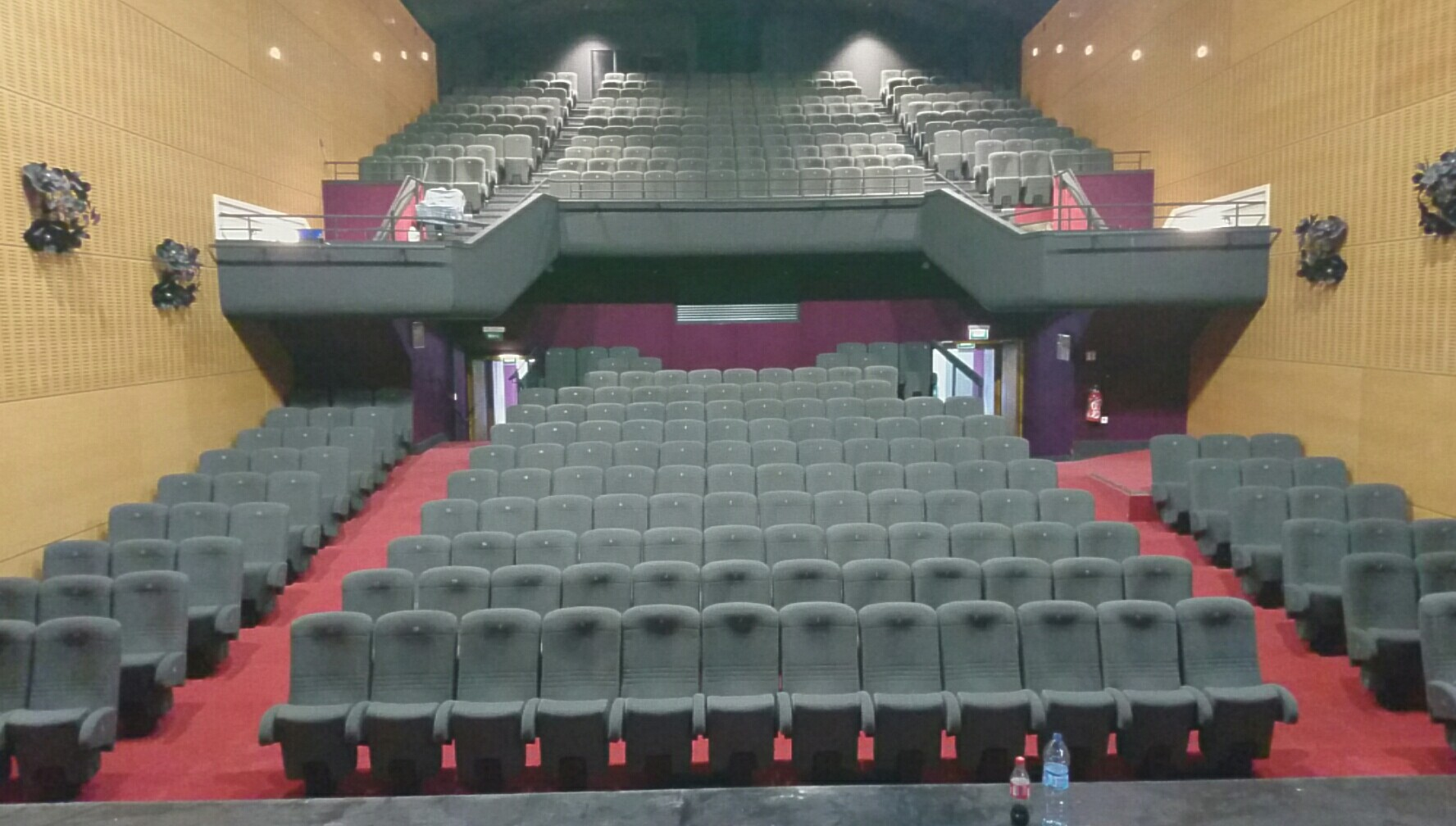 Kleslo - Leader de fabrication de fauteuils cinéma, théâtre ... forum rioms inertie caisson