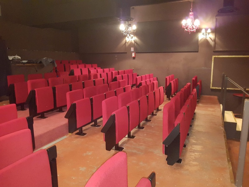 Kleslo - Leader de fabrication de fauteuils cinéma, théâtre ... Versailles royale factory stand up V2