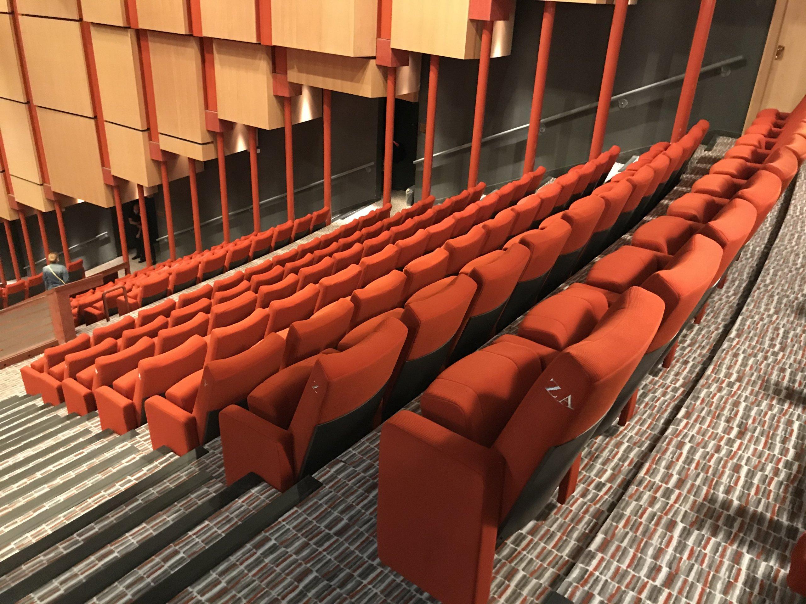 Kleslo - fauteuil Inertie - Leader de fabrication de fauteuils cinéma, théâtre ... Opéra Massy v5