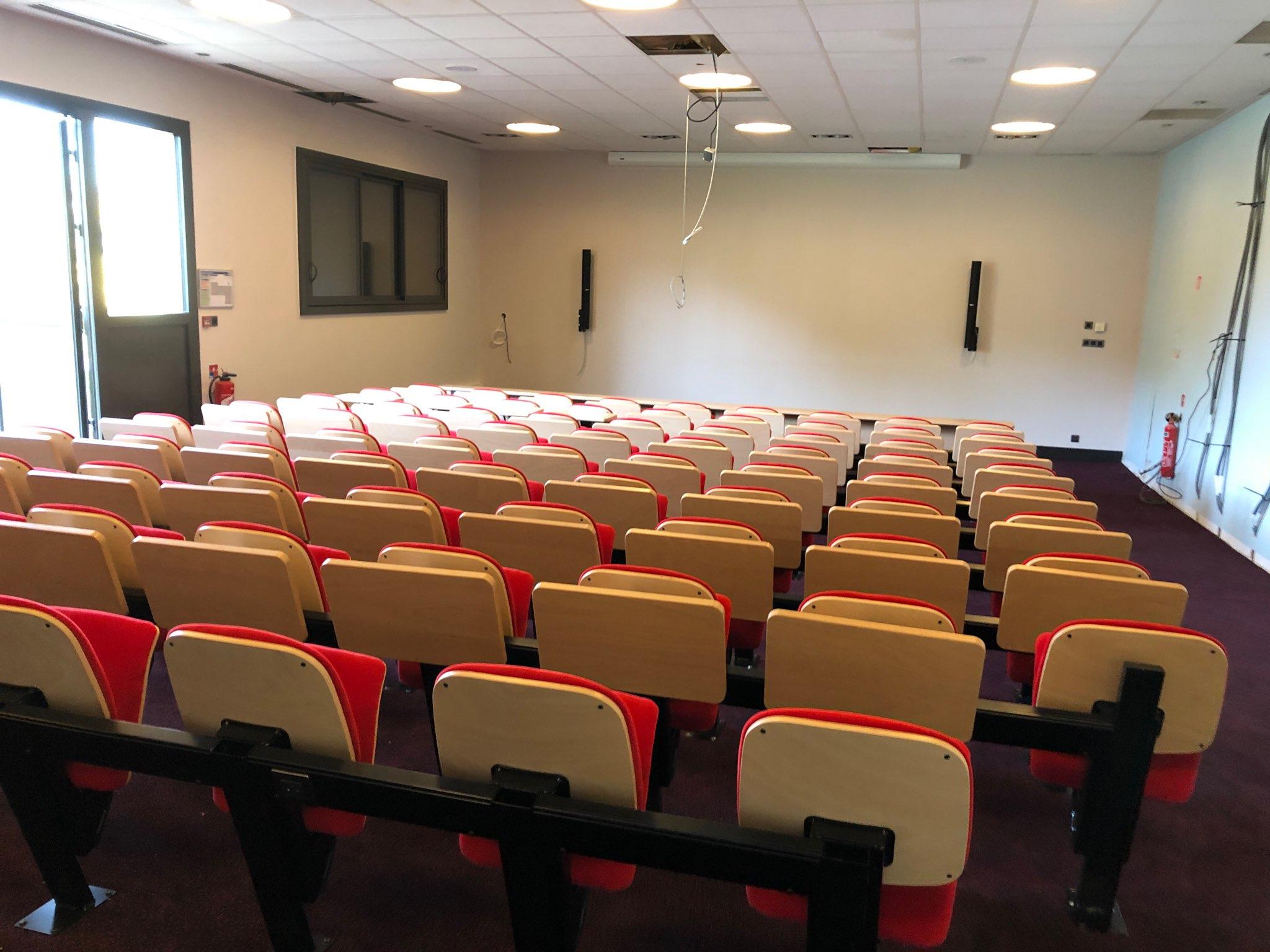 Kleslo - fauteuil Inertie - Leader de fabrication de fauteuils cinéma, théâtre ... Egletons EFIATP fauteuil IC stadium v4