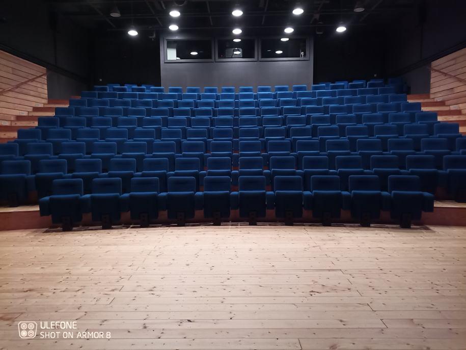 Kleslo - fauteuil Atrium Wingen sur moder - Leader de fabrication de fauteuils cinéma, théâtre ... fauteuil inclinable avec verin V4