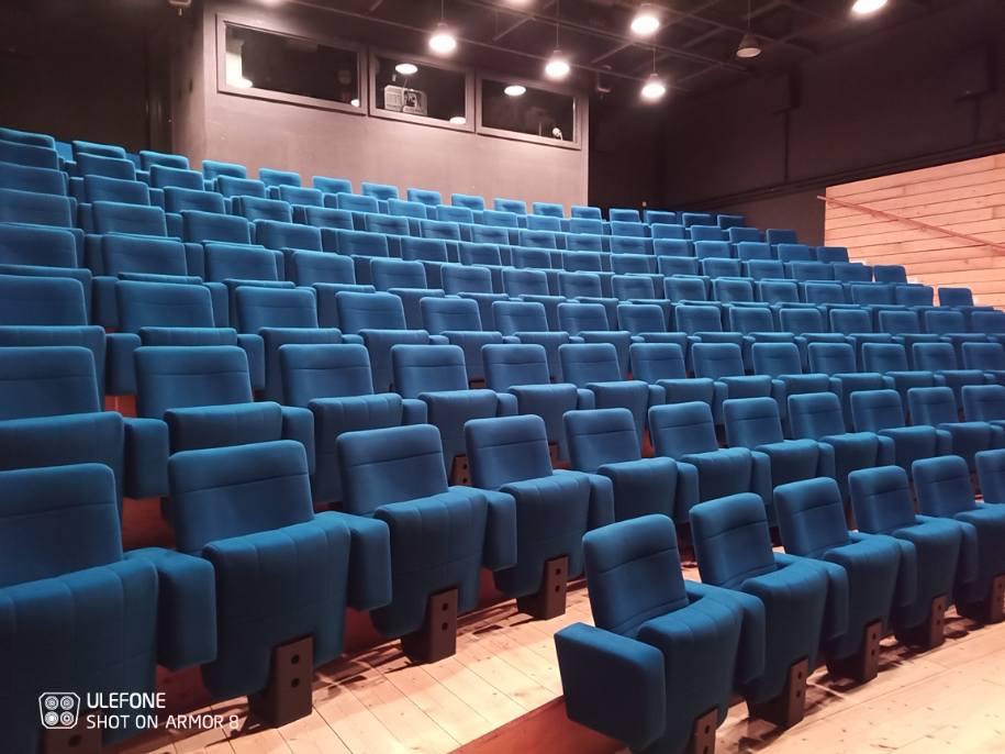 Kleslo - fauteuil Atrium Wingen sur moder - Leader de fabrication de fauteuils cinéma, théâtre ... fauteuil inclinable avec verin V2