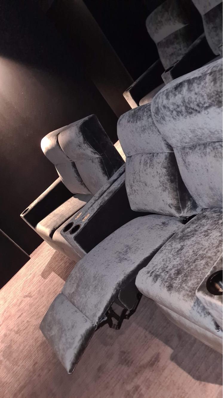 Kleslo - fauteuil electrique Wingen sur moder - Leader de fabrication de fauteuils cinéma, théâtre ... fauteuil homecinéma cinema privé v6