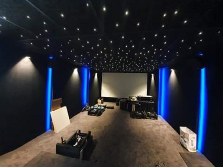Kleslo - fauteuil electrique Wingen sur moder - Leader de fabrication de fauteuils cinéma, théâtre ... fauteuil homecinéma cinema privé v2