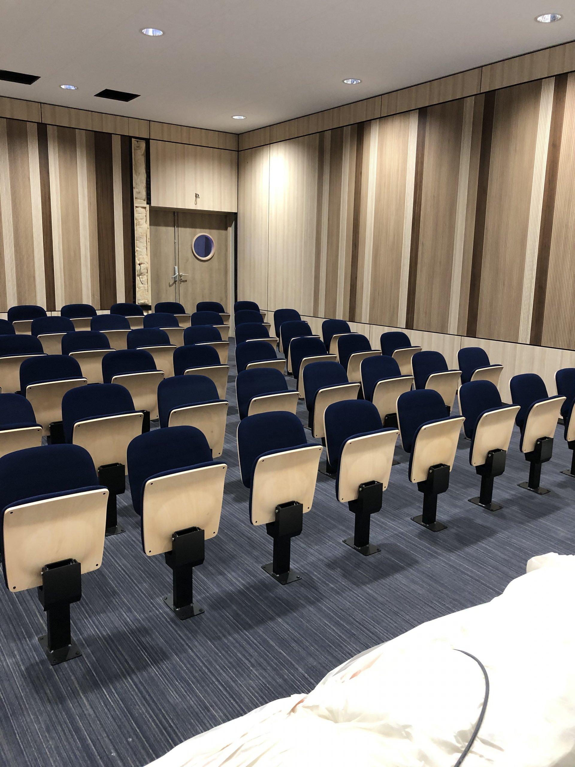 Kleslo - fauteuil Atrium Wingen sur moder - Leader de fabrication de fauteuils cinéma, théâtre ... fauteuil amphitheatre Ic v2