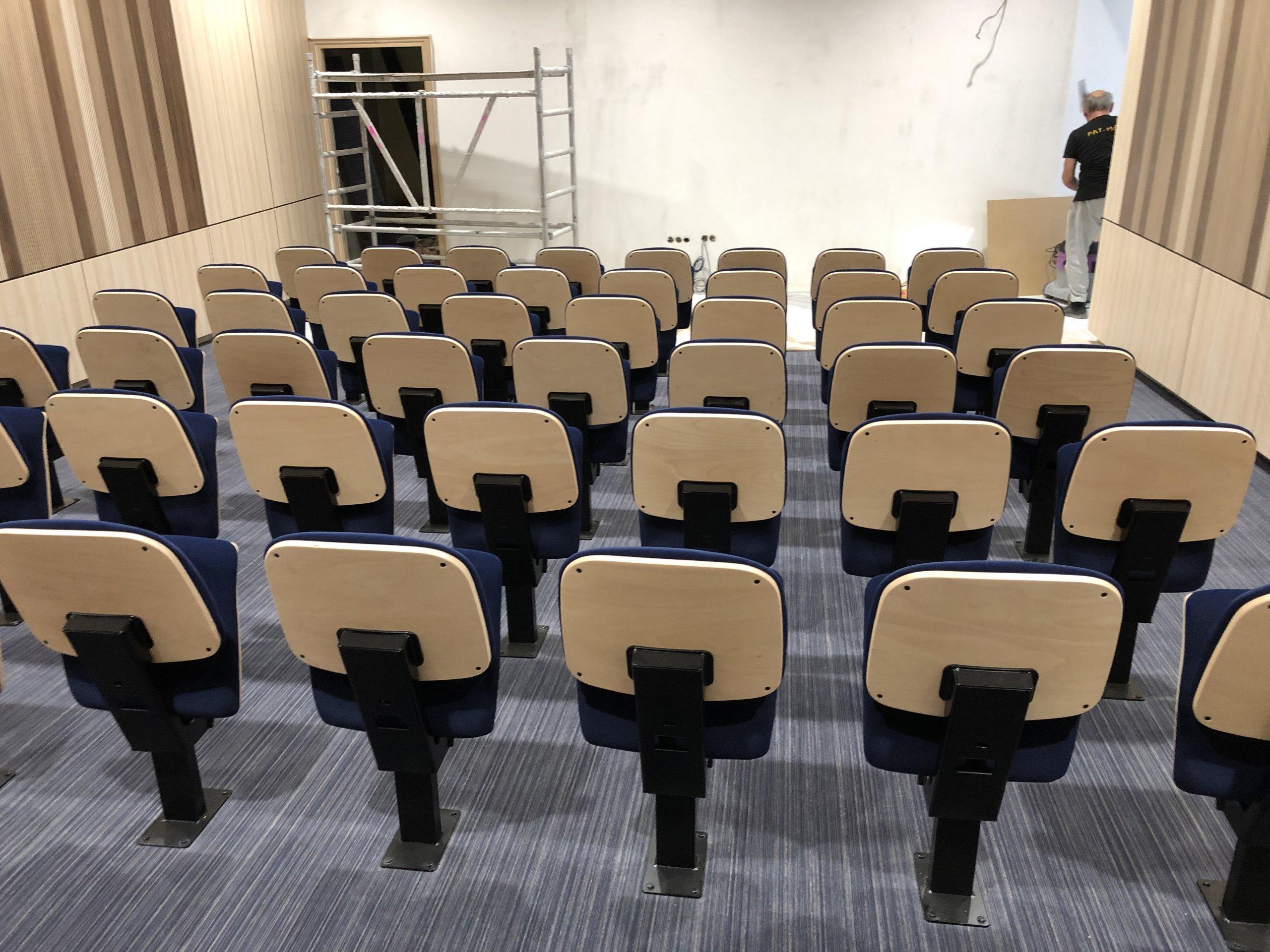 Kleslo - fauteuil Atrium Wingen sur moder - Leader de fabrication de fauteuils cinéma, théâtre ... fauteuil amphitheatre Ic v4