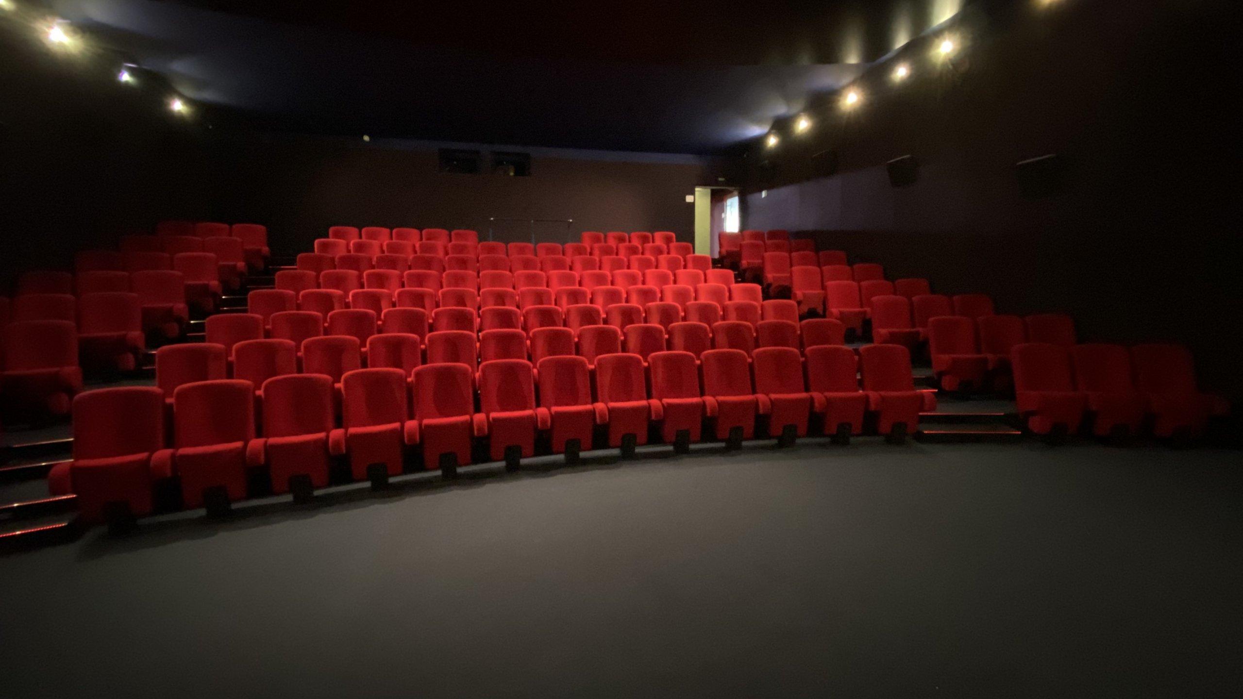 Kleslo - Puto- Leader de fabrication de fauteuils cinéma, théâtre ... cinema admosphere oyonnax v2